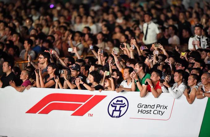 Khán giả có thể theo dõi diễn biến chặng đua từ những góc nhìn đa dạng và chân thực,
