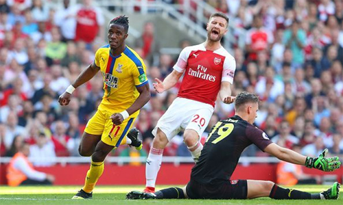 Zaha góp một bàn, giúp Palace thắng 3-2 ngay trên sân Arsenal ở vòng 34 Ngoại hạng Anh mùa vừa qua.