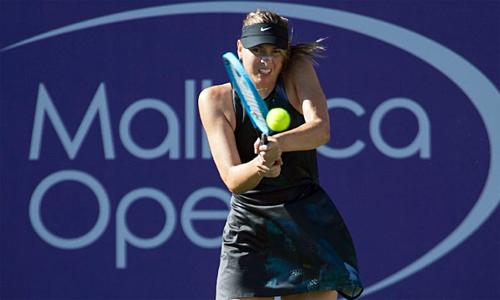 Sharapova có 16 winner và 13 lỗi tự đánh hỏng trong trận đấu hôm qua. Ảnh: AFP.