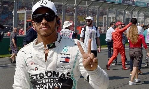 Hamilton có thu nhập rất cao so với các tay đua của những đội yếu. Ảnh: AFP.