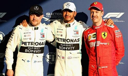 Hai tay đua của Mercedes sẽ xuất phát đầu ở GP Australia. Ảnh: Sky Sports.