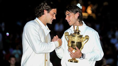 Nadal đánh bại Federer ở chung kết Wimbledon 2008. Ảnh:AFP.