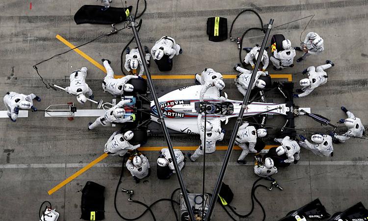 Williams thường áp đảo thời gian vào pit. Ảnh: WMR.