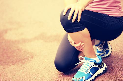 Có nhiều nguyên nhân khác nhau gây ra chấn thương cho người chơi thể thao.