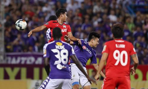 Sau bốn năm, HAGL cắt được chuỗi trận thua khi tới làm khách của Hà Nội ở V-League. Ảnh: Nhật Huy