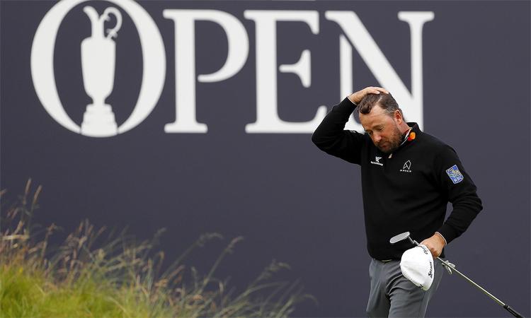 McDowell thất vọng khi cú phát bóng ở hố cuối cùng khiến anh tốn bảy gậy để hoàn thành hố. Ảnh: Golf Channel.