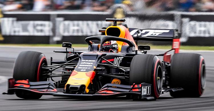 Verstappen chứng tỏ khả năng sau va chạm với Vettel. Ảnh: F1.