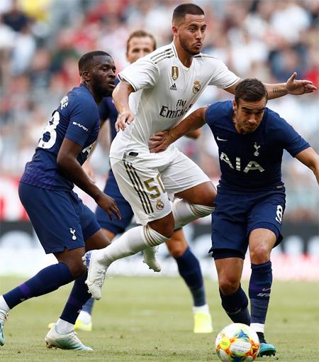 Hazard nặng nề và kém hiệu quả so với thời chơi cho Chelsea.