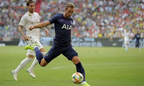 Kane dễ dàng ghi bàn vào lưới Real. Ảnh: Reuters