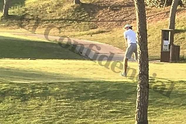 Bale chơi golf trong buổi chiều 30/7, dù lấy lý do bị ốm để không tham dự Audi Cup cùng đồng đội.