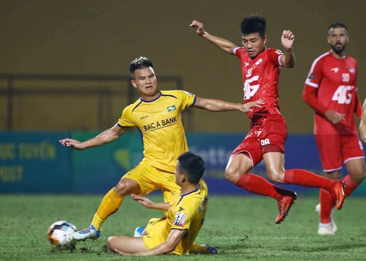 Viettel và SLNA bất phân thắng bại ở lượt đi V-League 2019. Ảnh: SLNA
