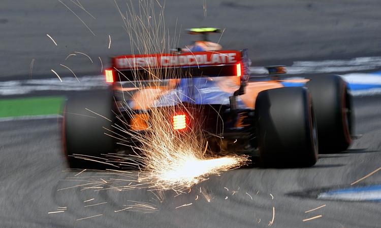 Cải thiện công suất động cơ F1 vẫn là bài toán khó giải với các đội đua. Ảnh: Racefans.