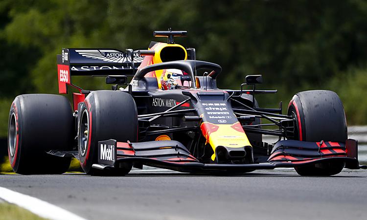 Verstappen lần đầu giành pole ở mùa thứ năm thi đấu tại F1. Ảnh: Formula1.