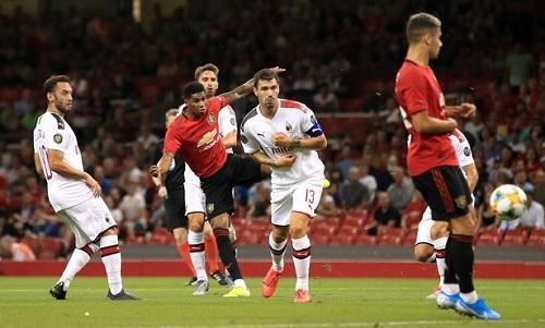 Rashford mở tỷ số cho Man Utd. Ảnh: PA.