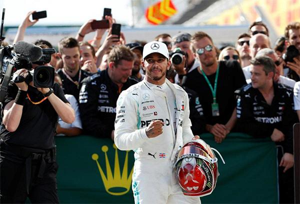 Chiến thắng tại Hungaroring giúp Hamilton bỏ xa nhóm phía sau tới 62 điểm, khi F1 vào kỳ nghỉ hè tớichặng đua tại Bỉ ngày 1/9.