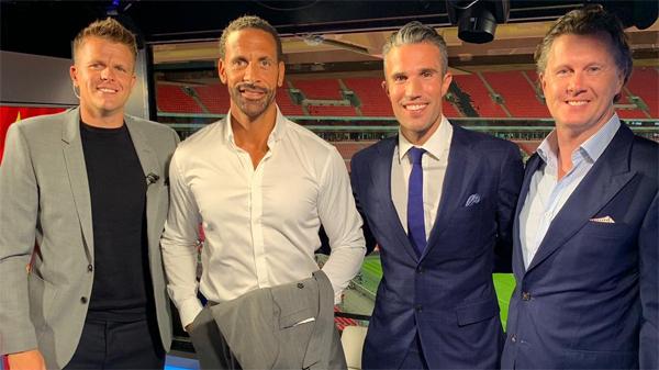 Van Persie (thứ hai từ phải sang) sẽ trở lại Ngoại hạng Anh từ mùa tới, trong vai tròbình luận viên cho kênh BT Sports.