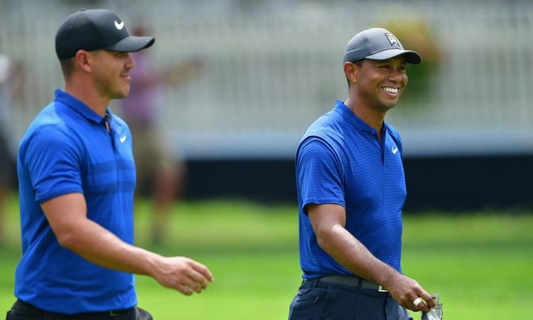 Koepka (trái) không muốn tập cùng Woods vì sợ lộ chiến thuật. Ảnh: Golf Digest.Koepka (trái) không muốn tập cùng Woods vì sợ lộ chiến thuật. Ảnh: Golf Digest.