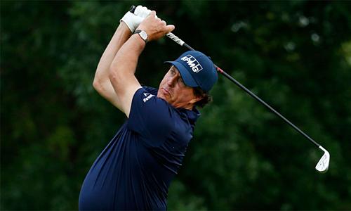 Mickelson sa sút không phanh trong những tháng gần đây. Ảnh: Golf.com.