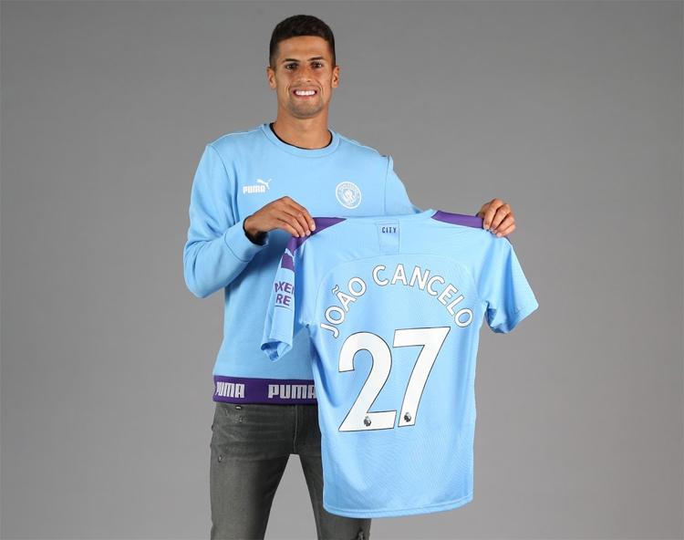 Cancelo lẽ đeo áo số 27 tại Man City.