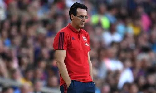 Emery tạo được uy tín sau mùa đầu làm việc với Arsenal. Ảnh: Reuters