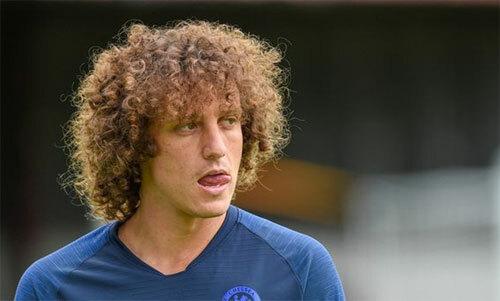 Luiz biến thành kẻ phản bội trong mắt CĐV Chelsea. Ảnh: DS