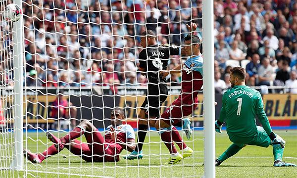 Jesus ghi bàn trong cả năm trận gần nhất thi đấu ở London. Ảnh: Premier League.