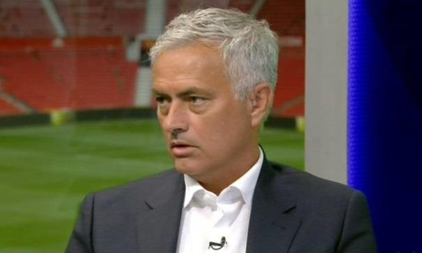 Mourinho cho rằng Chelsea thua vì cách dụng binh của trò cũ Lampard.