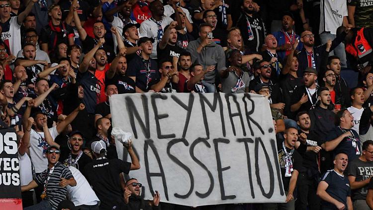 Kết quả hình ảnh cho neymar do con hoang