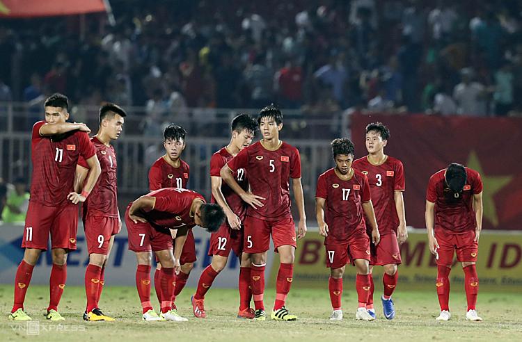 Không giành được ba điểm, tuyển Việt Nam mất quyền tự quyết chiếc vé vào bán kết. Ảnh: Đức Đồng.