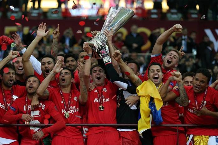 Thành công trong khâu chuyển nhượng là bệ phóng giúp Sevilla gặt hái nhiều danh hiệu trên sân cỏ.