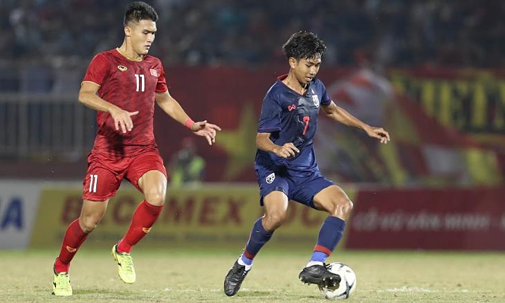 Thái Lan (áo xanh) gây thất vọng ở giải U18 Đông Nam Á tại Việt Nam. Ảnh: Đức Đồng.