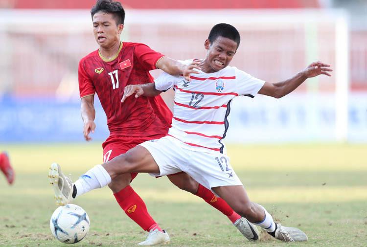 Việt Nam để thua 1-2 trong trận đấu chiều 15/8, dừng bước tại vòng bảng U18 Đông Nam Á. Ảnh: Đức Đồng