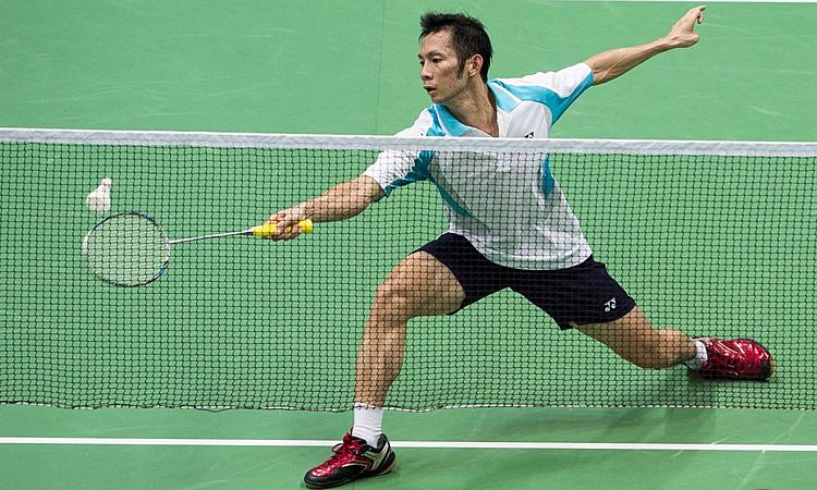 Tiến Minh lần thứ hai thắng được một hiệp khi đối đầu Lin Dan..