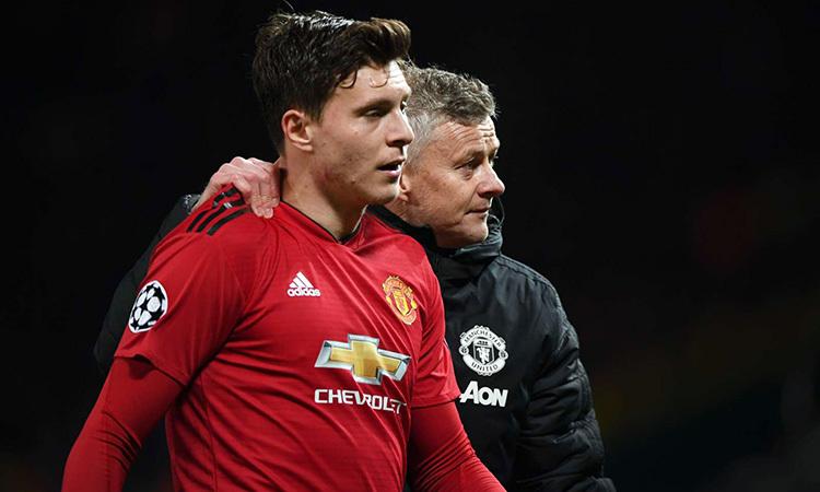 Lindelof (trái) được Solskjaer ưu tiên đá cặp cùng Maguire ở trận ra quân gặp Chelsea. Ảnh: PA.