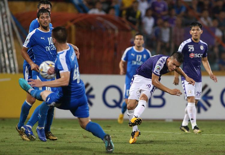 Quang Hải cứa lòng ghi bàn, giúp Hà Nội thắng 3-2 tại Hàng Đẫy tối 20/6. Ảnh: Lâm Thoả