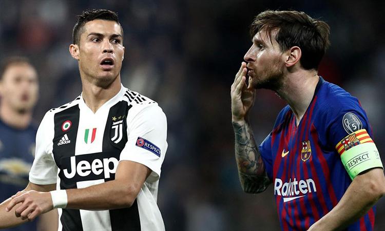 Trong 5 mùa từ 2013-2014 đến 2017-2018, Ronaldo đoạt 4 Quả Bóng Vàng, còn Messi chỉ giành một.