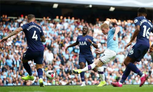 Man City áp đảo Tottenham. Ảnh: Reuters