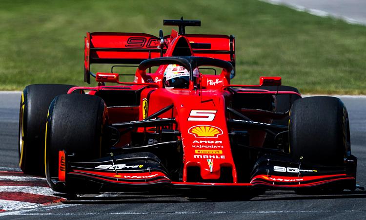 Sebastian Vettel không có thành tích cao mùa này một phần vì cấu trúc khí động học sai lầm của Ferrari. Ảnh: Motorsport.