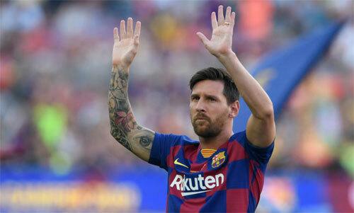 Messi chưa thể vào sân mùa này.