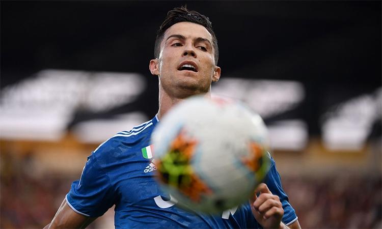 Ronaldo không giấu thất vọng vì chưa thể ghi bàn trên sân Parma. Mùa trước, Juventusthắng2-1 tại đây, nhưng siêu sao người Bồ Đào Nha cũng tịt ngòi.