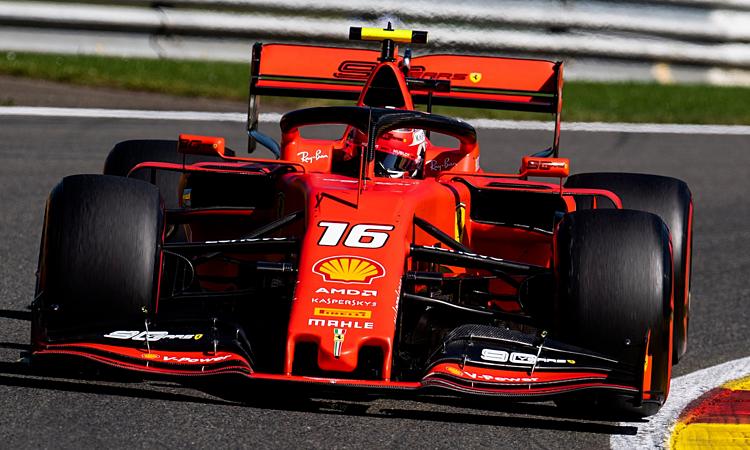 Leclerc bỏ xa Vettel tới hơn 0,6 giây ở FP2. Ảnh: XPB.