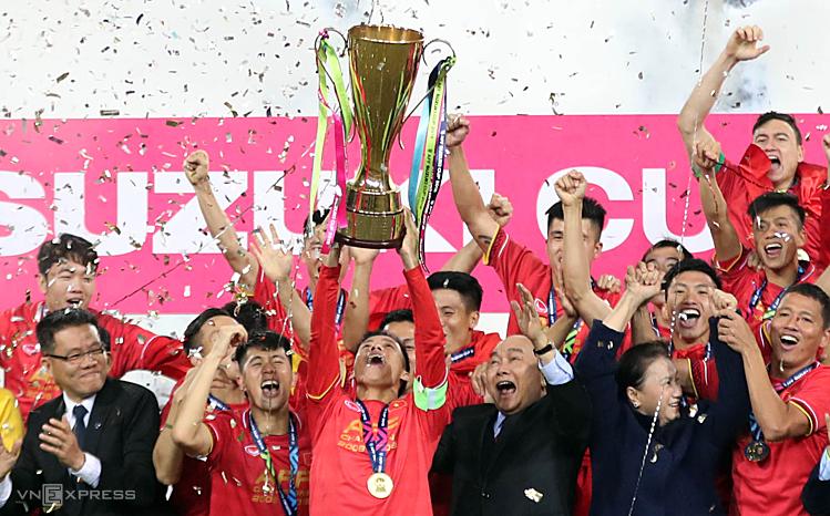 Sau khi nâng cao Cup vô địch AFF Cup 2018, Văn Quyết chưa trở lại ĐTVN ở các kỳ Asian Cup và Kings Cup. Ảnh: Đức Đồng.