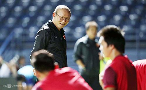Thầy trò ông Park Hang-seo được tạo điều kiện thuận lợi vì mục tiêu World Cup. Ảnh: Đức Đồng.