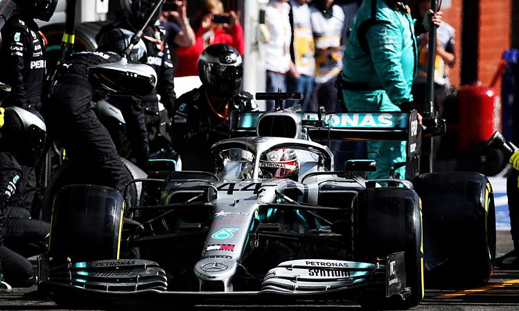 Hamilton vào pit trong 3,6 giây, trong khi trung bình các tay đua chỉ cần dưới ba giây. Ảnh: XPB.