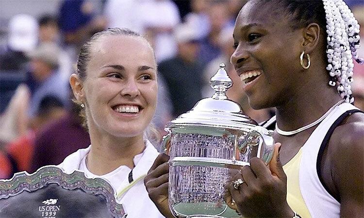 [20 năm trước, Serenavô địch Mỹ Mở rộng sau khi hạ Martina Hingis. Ảnh: AFP.