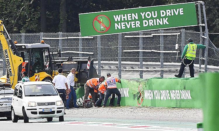 Hiện trường tai nạn kinh hoàng của Peroni - tay đua 19 tuổi ngườiAustralia. Ảnh: Motorsport.
