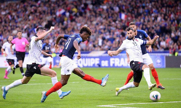 Coman toả sáng nhất trận đấu với Albania khi góp một cú đúp. Ảnh: FFF.
