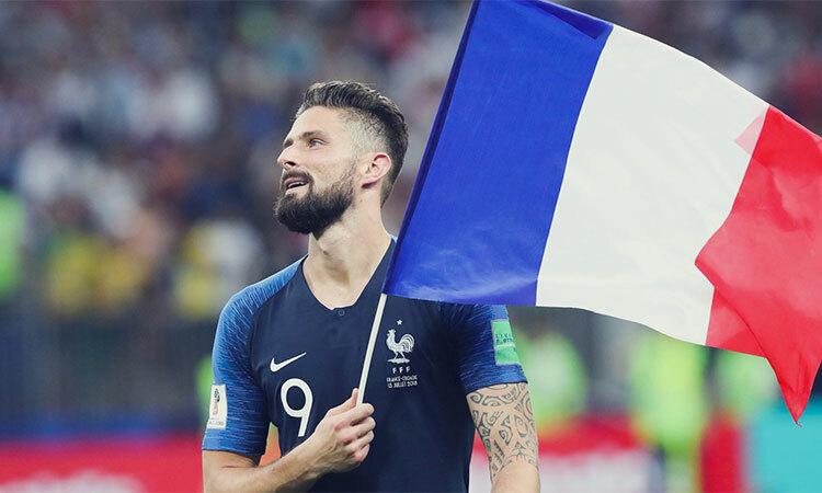 Mất suất đá chính ở Chelsea, nhưng Giroud vẫn toả sáng khi về phụng sự tuyển Pháp. Ảnh: FFF.
