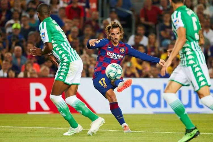 Những tin đồn liên tục về sự trở lại của Neymar có thể gây bất ổn cho nội tình Barca, sau khi họ đã chi cả núi tiền để đưa về thêm Griezmann. Ảnh: EFE.