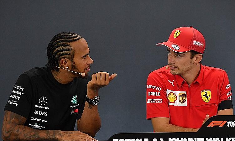 Hamilton (trái) khẳng định sẽ đua quyết liệt ở những chặng sau. Ảnh: Motorsport.